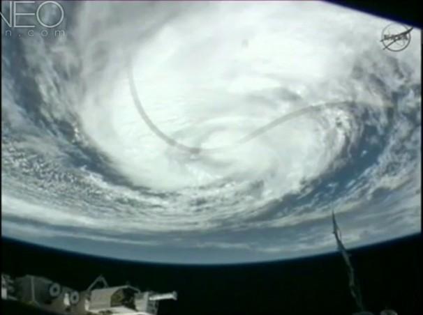国际空间站实拍飓风横扫路易斯安那州壮观景象