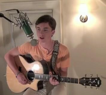18岁美国男生高山翻唱《我的歌声里》