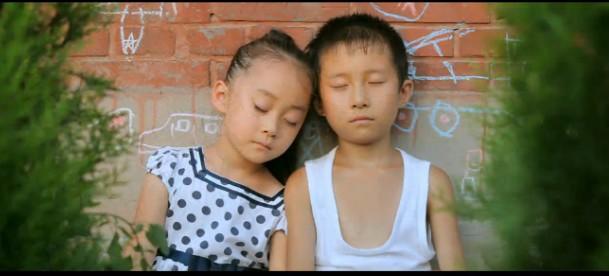 《细伢子》关于童年的纯真记忆,跨越十二年的真挚情感