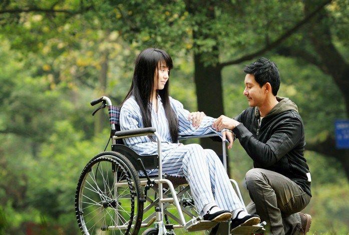 《柠檬》曝预告片 立威廉洪晓熙共谱清新恋曲