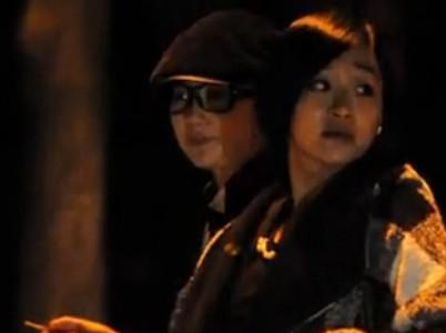 刘亦菲驾豪车夜会气质闺蜜 举止亲密同回别墅过夜