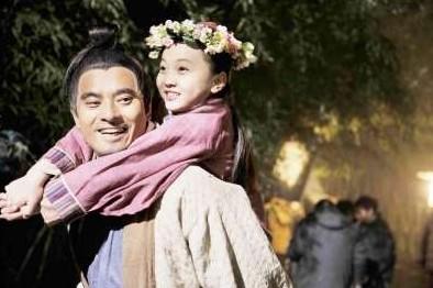 14岁林妙可与37岁陈龙演感情戏 网友吐槽太奇葩