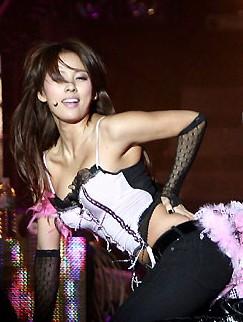 韩国立法禁衣着暴露 李孝利:我死定了