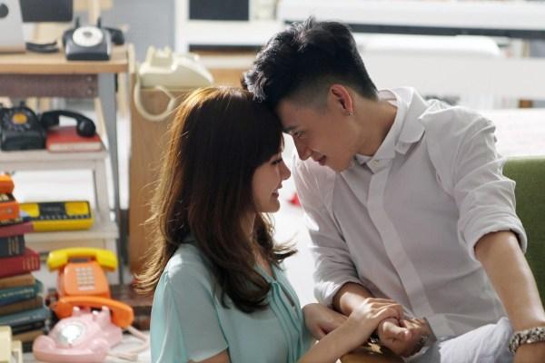 魏晨《哈喽》MV 与安心亚上演生死虐恋