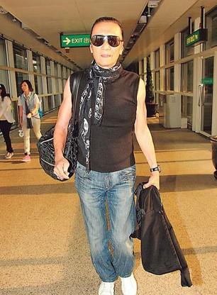 谢霆锋101岁祖母病逝未到场 谢贤笑对媒体称心情很好
