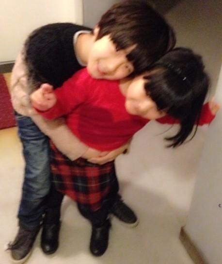 天天主动抱王诗龄 网友:你知道森蝶在哭泣吗