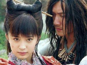 杨幂雪藏十年电影上映 网友:证明她整过容吗?