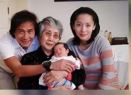 54岁齐秦再当爹 嫩妻怀男胎4个多月