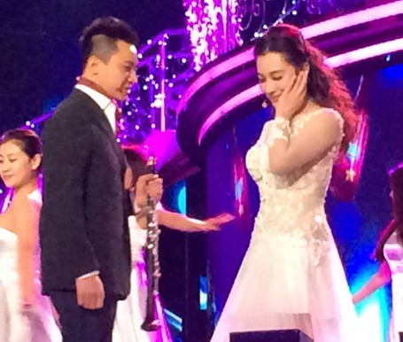 刘璇夫妇婚后忙捞金 暂无生子计划顺其自然