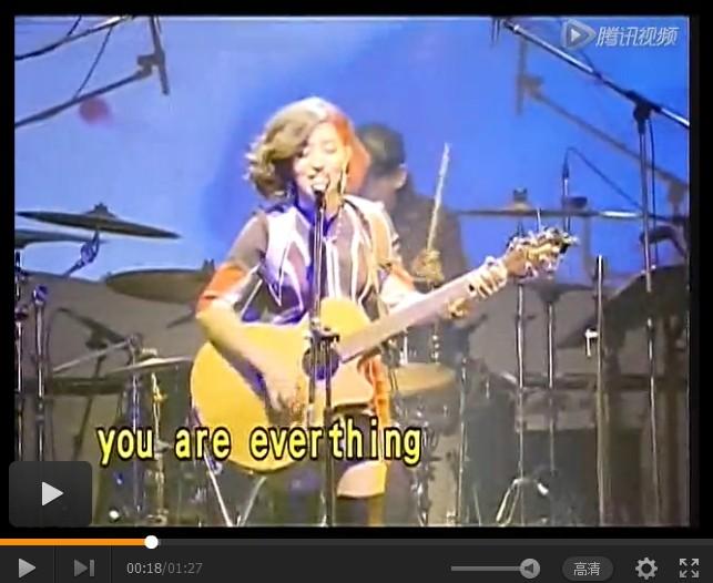 Lara庆歌坛十周年 开唱宛如摇滚芭比