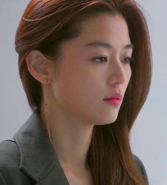 全智贤15岁模特出道 曾被传是Rain女友
