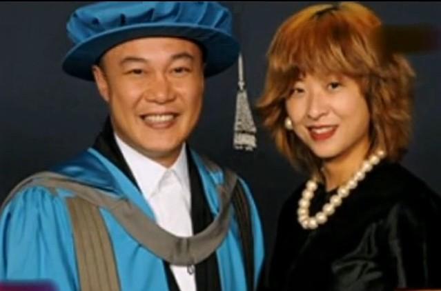 陈奕迅荣升英国金斯顿大学博士