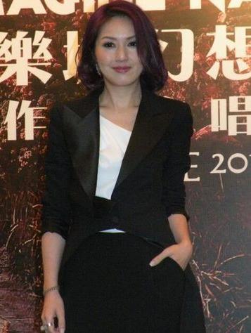杨千嬅否认打排卵针催孕 与老公已没有情人节