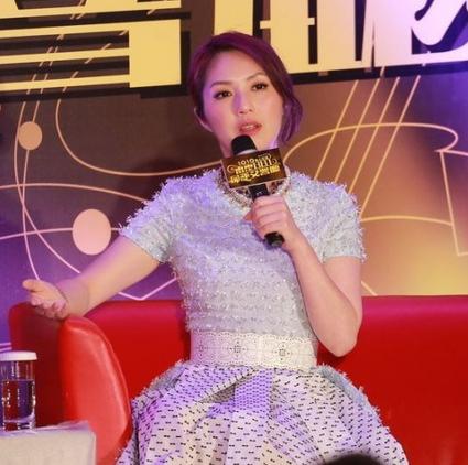 """杨千嬅遭老公笑""""港男""""坦言曾患情绪病"""