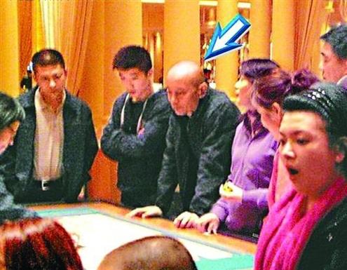 葛优回应澳门赌场照:戏子就是让人耍的