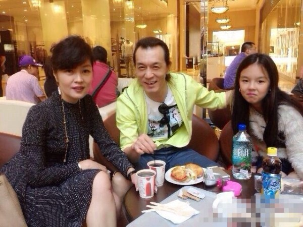 李咏称支持女儿早恋:像自己从一而终就好