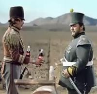 可口可乐创意:边境线上搞基?