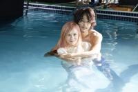 蔡健雅《单恋曲》MV 与裸男湿身诠释苦恋