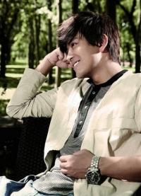 陈晓东深情演绎暖系情歌《把你写进我的情歌里》MV