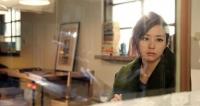 张靓颖《微笑以后》MV黑白默片致敬梦露
