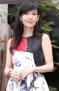46岁周慧敏传授冻龄妙招 新戏颠覆玉女形象